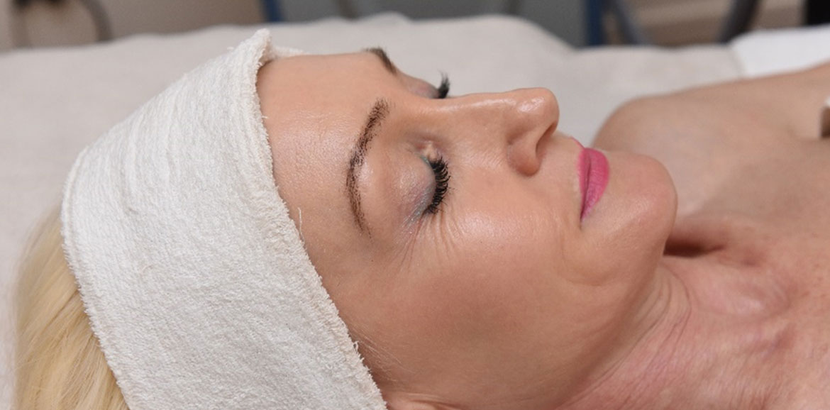 Hope Island Beauty & Medispa | Gold Coast | Corrective Skin Peels